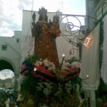La processione tra le coperte ai balconi