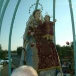 L'immagine della Madonna posizionata sul carro